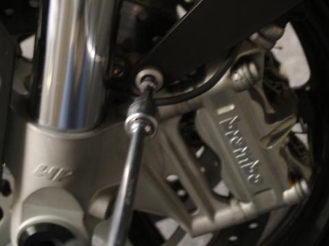 タイヤ交換 ブレーキパッド交換 - 1
